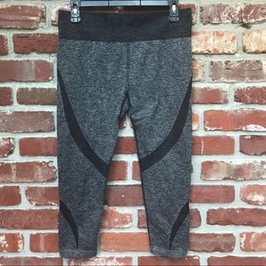 Fabletics Stretchy Crops!